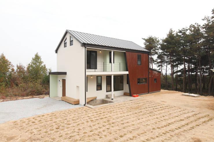 Casas modernas por 주택설계전문 디자인그룹 홈스타일토토