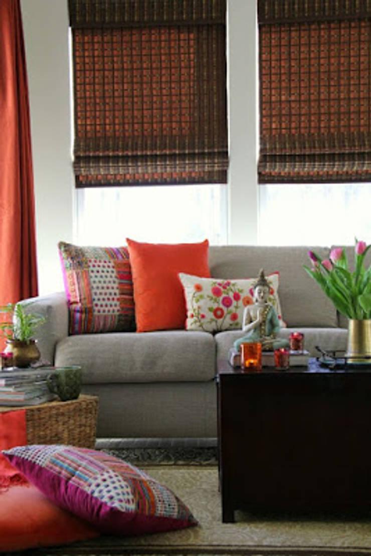 INDIAN INTERIOR DESIGN:  Living room by srisutath