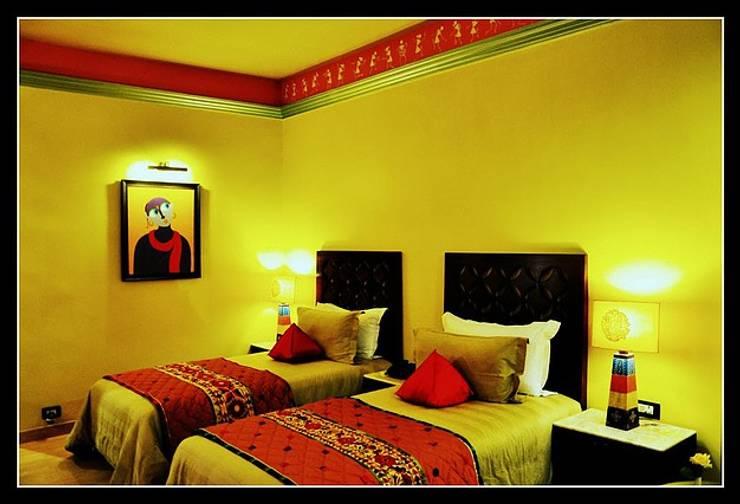 Bedroom Designs:  Bedroom by Vivitsu Design