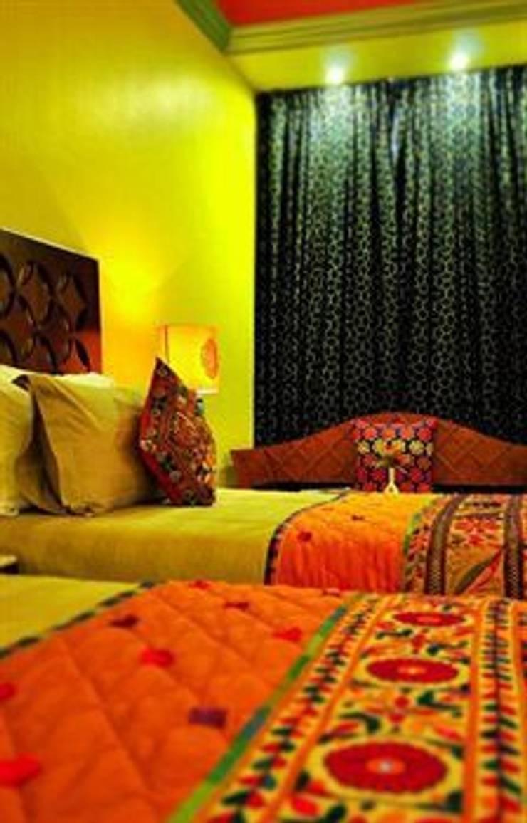 Bedroom Designs: modern Bedroom by Vivitsu Design