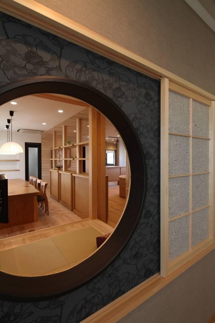 キッズコーナー&リフレッシュコーナー: 株式会社Juju INTERIOR DESIGNSが手掛けたオフィススペース&店です。