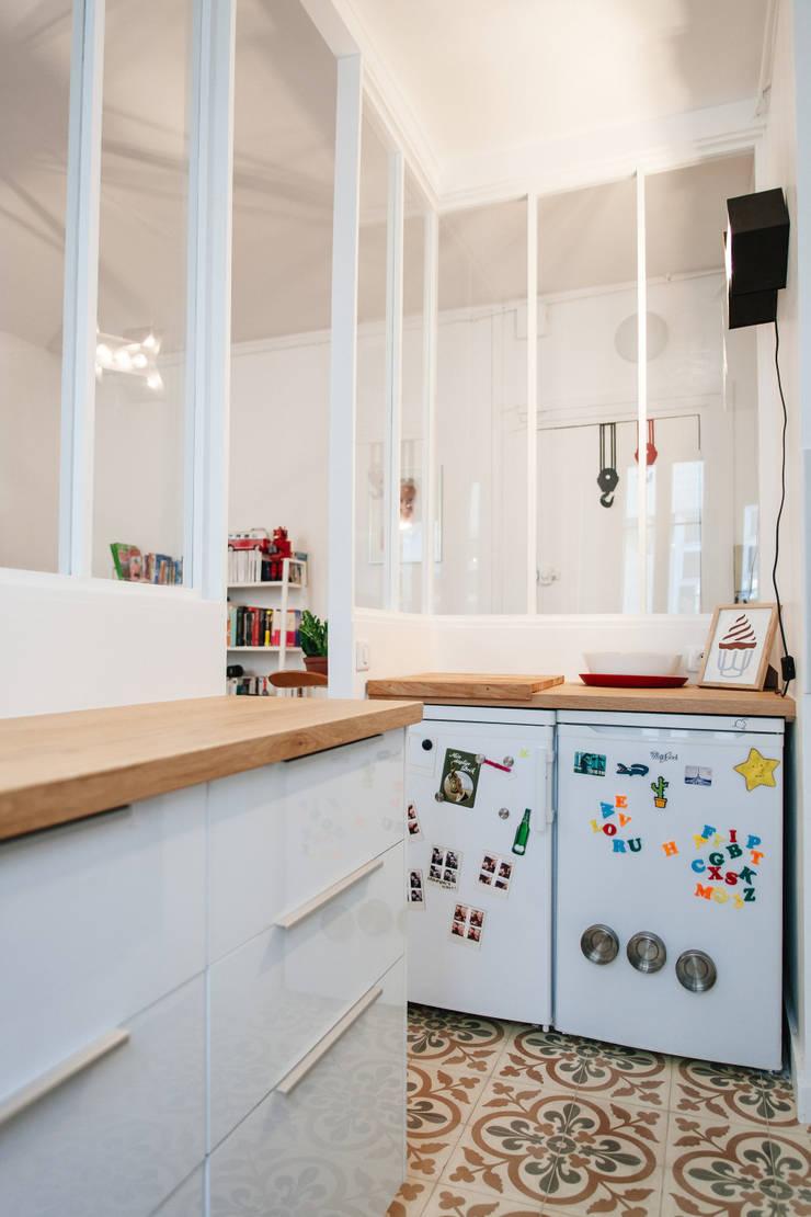 Cocinas de estilo moderno de Lise Compain Moderno