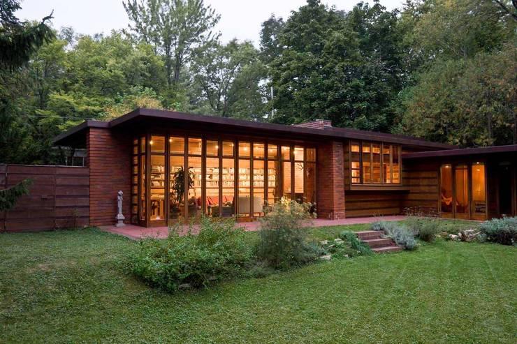 Rumah by Arquitecto Sergio Capua