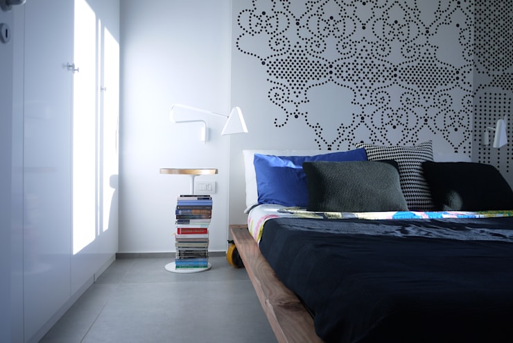 """Casa """"B"""": Camera da letto in stile  di Giulia Brutto Architetto"""