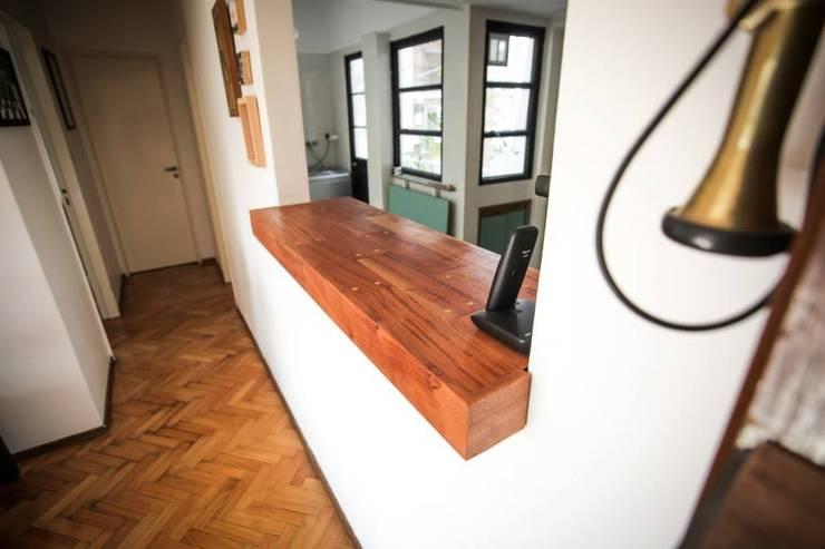 Barra B: Livings de estilo  por WALDO estudio