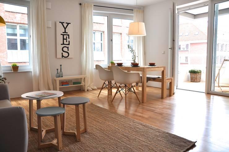 Projekty,  Jadalnia zaprojektowane przez Karin Armbrust - Home Staging