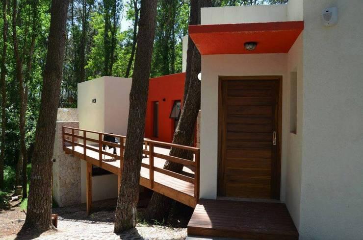 Cabaña Mar Azul: Hoteles de estilo  por SSA