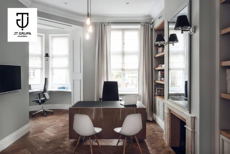 JT GRUPA - biuro: styl , w kategorii Przestrzenie biurowe i magazynowe zaprojektowany przez JT GRUPA,Klasyczny
