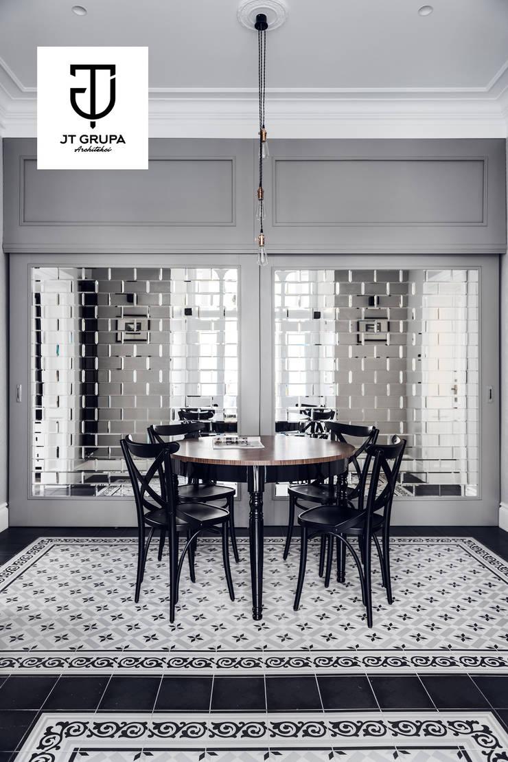 JT GRUPA – biuro: styl , w kategorii Przestrzenie biurowe i magazynowe zaprojektowany przez JT GRUPA,Klasyczny