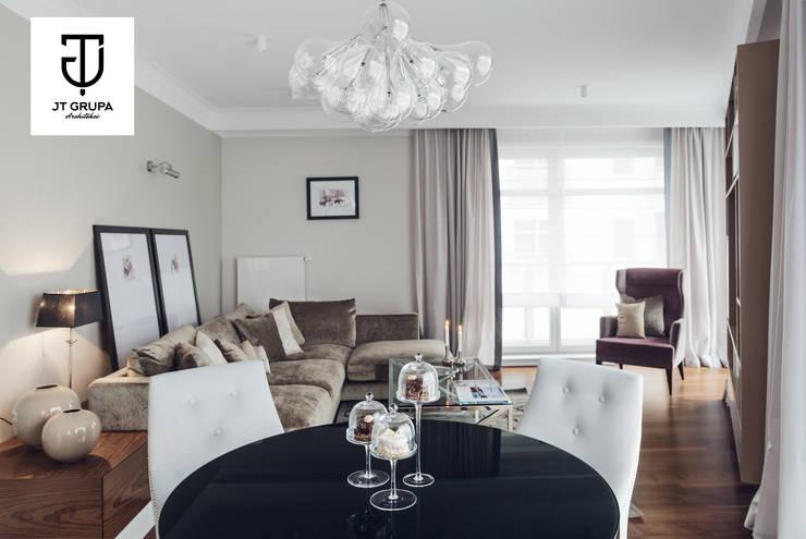 Gdańsk – Apartament nad zatoką: styl , w kategorii Salon zaprojektowany przez JT GRUPA,Klasyczny