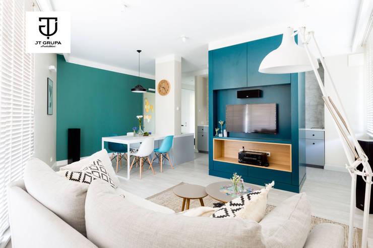 Gdańsk - Skandynawskie mieszkanie wakacyjne: styl , w kategorii Salon zaprojektowany przez JT GRUPA