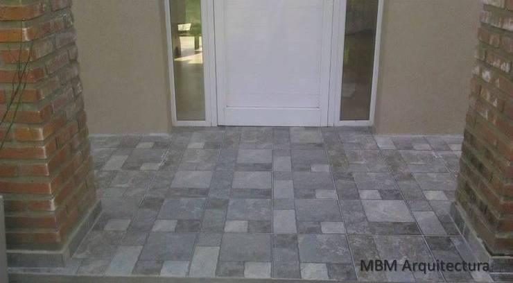 Viv. 652 Sicardi - Refacción - D.Técnica Paredes y pisos modernos de mbm Moderno