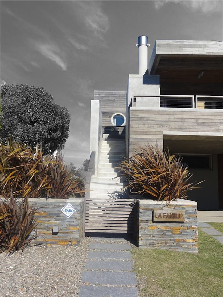 Casa <q>La Familia</q>: Casas de estilo  por Estudio de arquitectura Vivian Avella Longhi,
