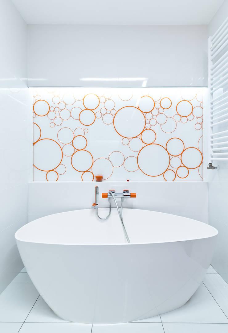 Raw Apartment: styl , w kategorii Łazienka zaprojektowany przez Fotografia Przemysław Turlej