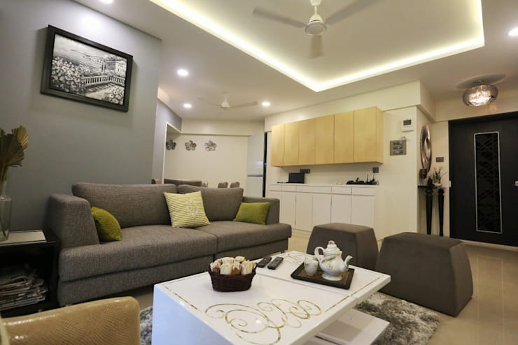 Residence:  Living room by SHUBHI SINGHAL INTERIOR DESIGN,Modern