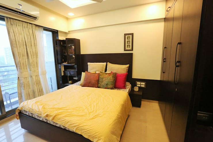 Residence:  Bedroom by SHUBHI SINGHAL INTERIOR DESIGN,Modern