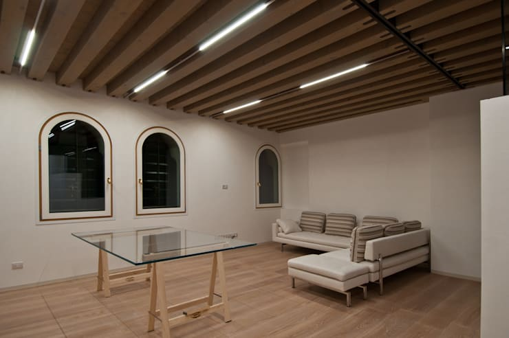 Дома в . Автор – GLIP | The Lighting Partner