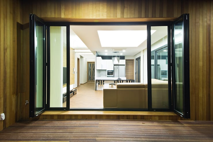 Tерраса в . Автор – GongGam Urban Architecture & Construction