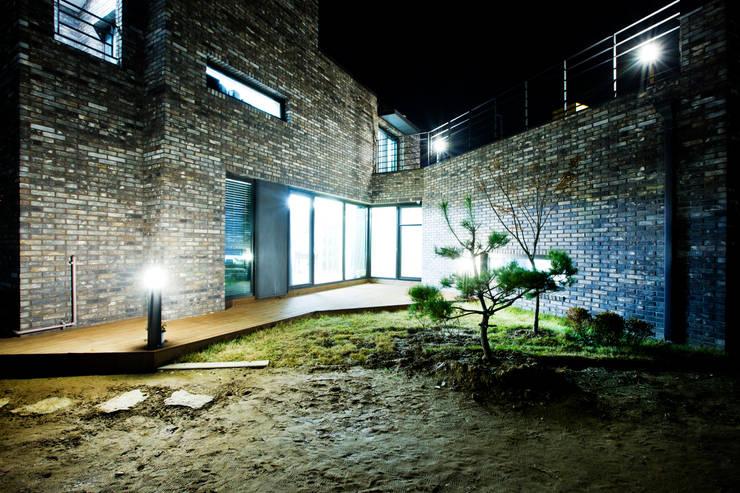Projekty,  Taras zaprojektowane przez GongGam Urban Architecture & Construction