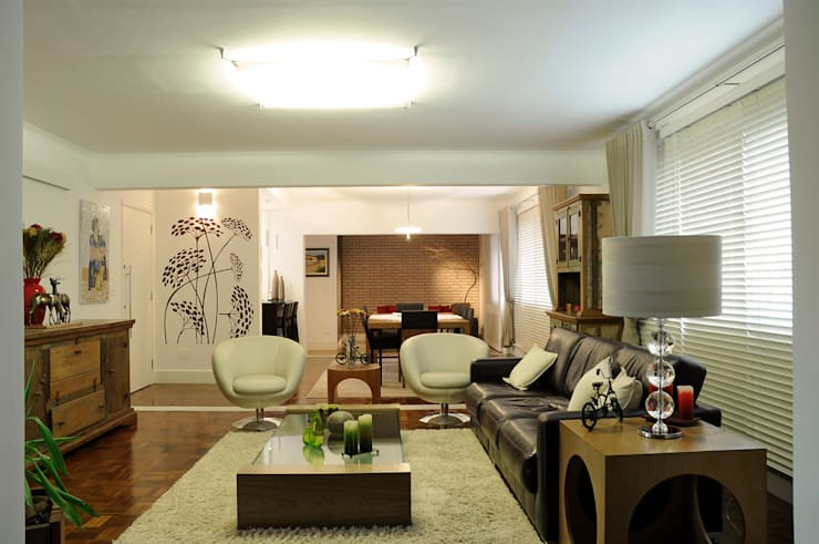 Apartamento Jardins: Salas de estar  por Politi Matteo Arquitetura,Eclético