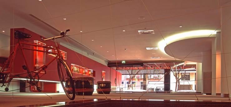 DELEGACÃO DE MACAU: Centros de exposições  por Artica by CSS
