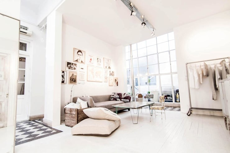 Ambientaciones: Livings de estilo  por Ornatto