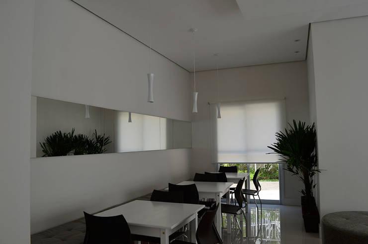 Salão de Festas – Edif. Residencial.: Salas de estar modernas por MEM Arquitetura