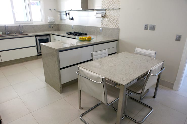 Projekty,  Kuchnia zaprojektowane przez Vettori Arquitetura