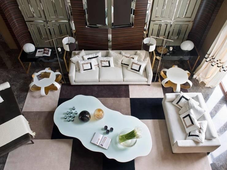 ORIENT EXPRESS: Salas de estar ecléticas por SA&V - SAARANHA&VASCONCELOS