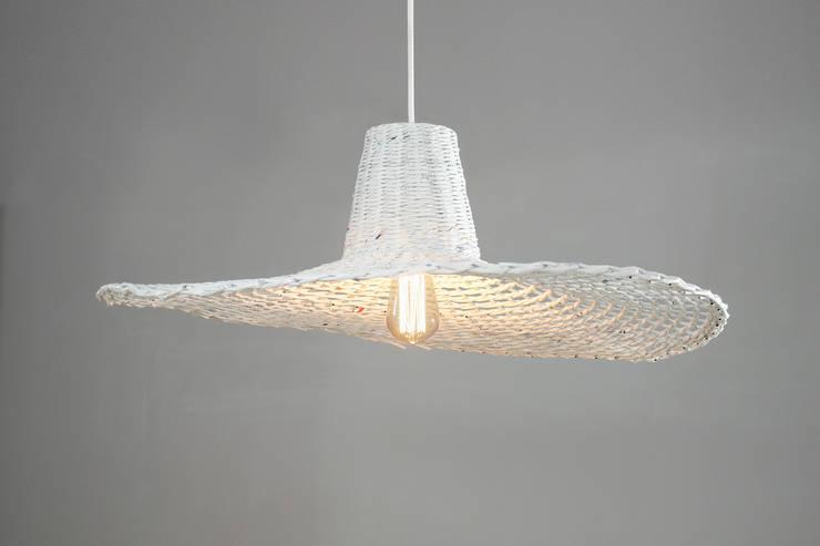 Lampa Misia: styl , w kategorii Korytarz, hol i schody zaprojektowany przez Barbórka Design