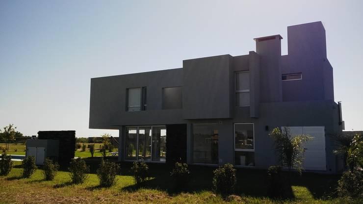 Contrafachada: Casas de estilo  por VHA Arquitectura