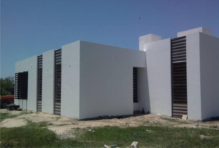 Casas de estilo  por VHA Arquitectura