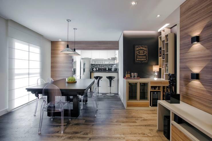 Apto. 64m²: Salas de jantar  por Andressa Saavedra Projetos e Detalhes