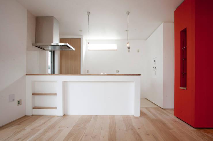 キッチン: 戸田晃建築設計事務所が手掛けたキッチンです。