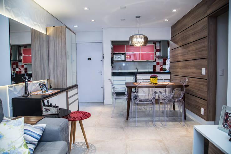 Apto 92m²: Salas de jantar  por Andressa Saavedra Projetos e Detalhes
