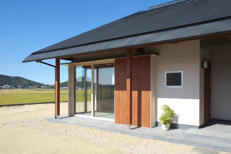 津屋崎の家: AMI ENVIRONMENT DESIGN/アミ環境デザインが手掛けた家です。