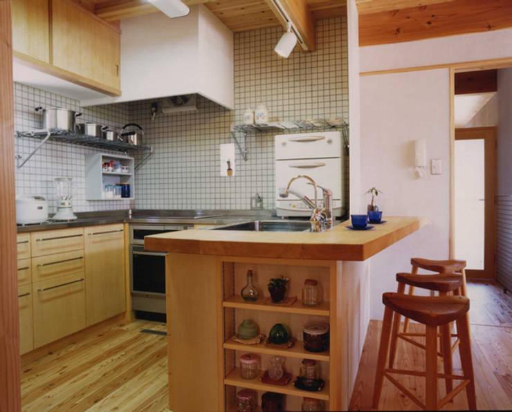 ห้องครัว by AMI ENVIRONMENT DESIGN/アミ環境デザイン