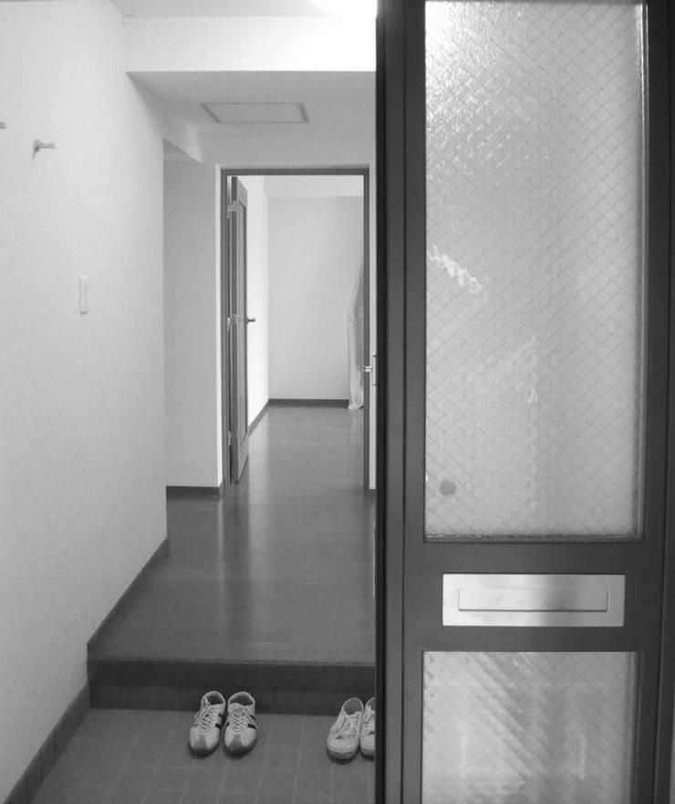 ビフォー・玄関: 戸田晃建築設計事務所が手掛けたです。