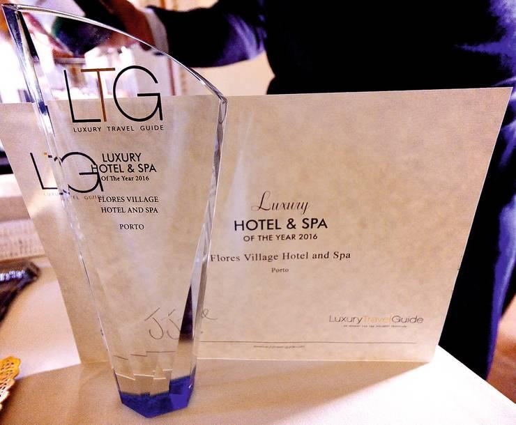 Flores Village Hotel & Spa Premiado como um dos hotéis mais luxuosos do mundo: Hotéis  por Glassinnovation - Glass'IN