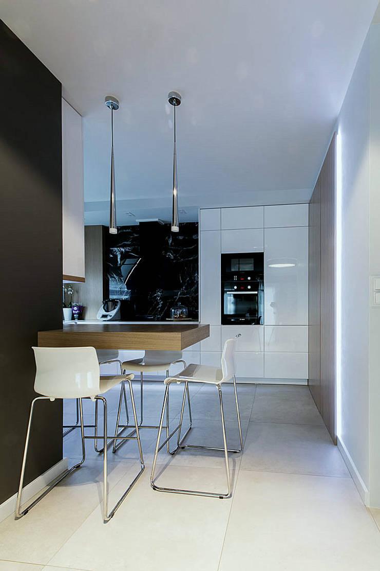 WNĘTRZA: styl , w kategorii Kuchnia zaprojektowany przez STUDIO ROGACKI,Nowoczesny