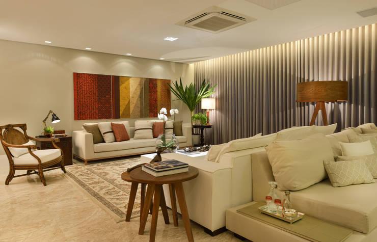 Salas / recibidores de estilo  por Bastos & Duarte