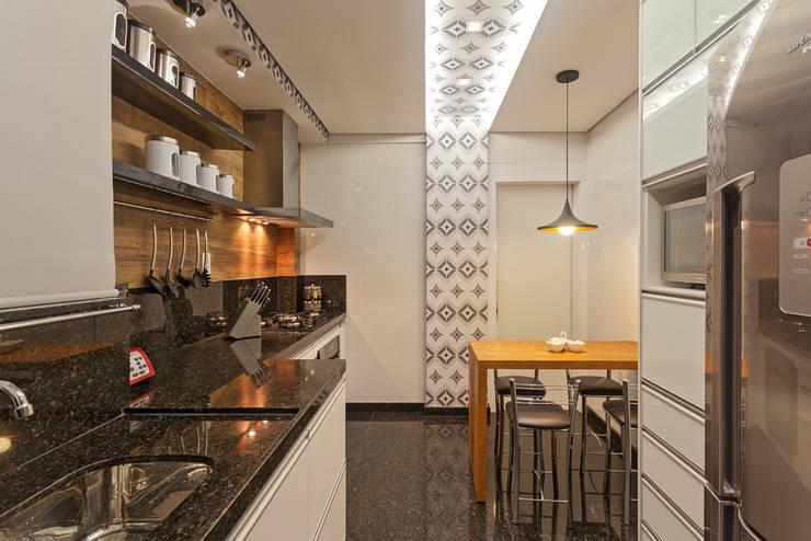 Cuisine moderne par Laura Santos Design Moderne