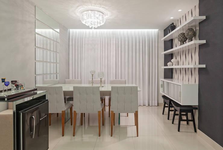 Salle à manger moderne par Laura Santos Design Moderne