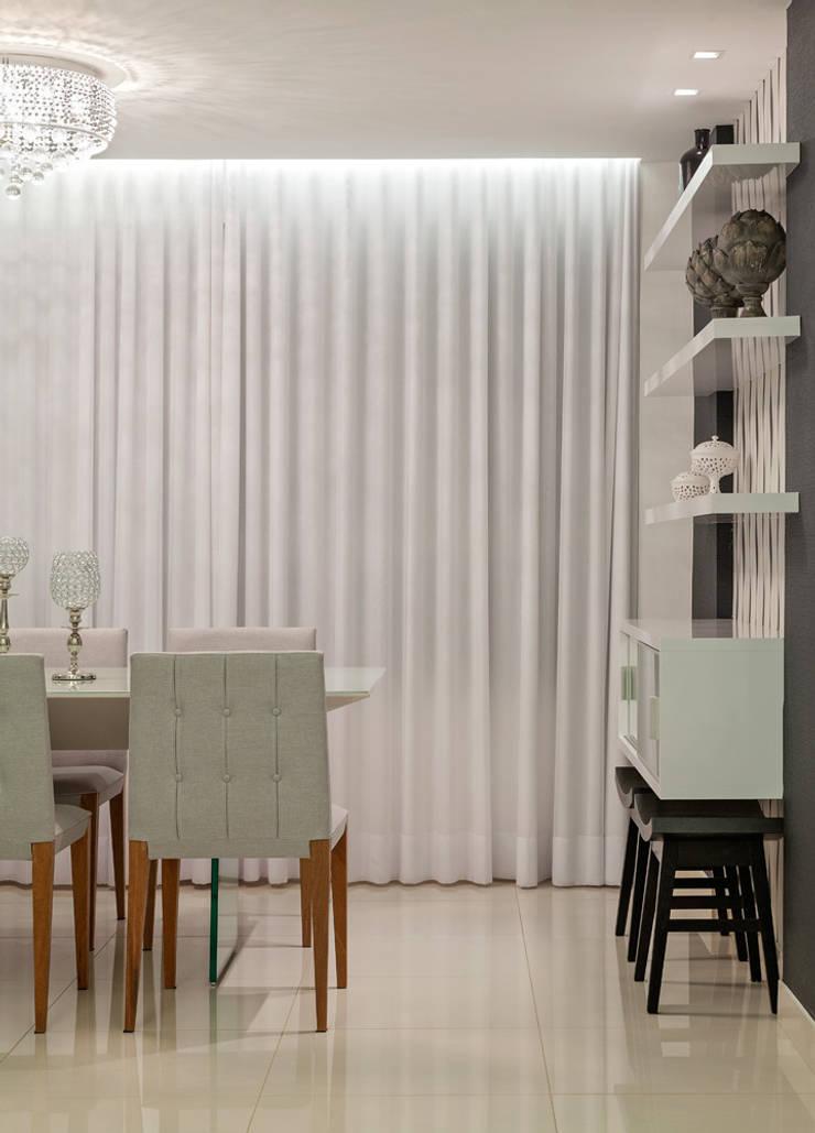 Apartamento Jovem Casal: Salas de jantar  por Laura Santos Design,Moderno