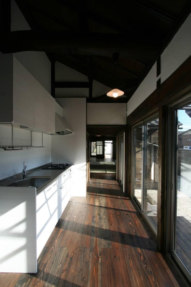 犬山 下本町の家: 池戸建築事務所が手掛けたキッチンです。,