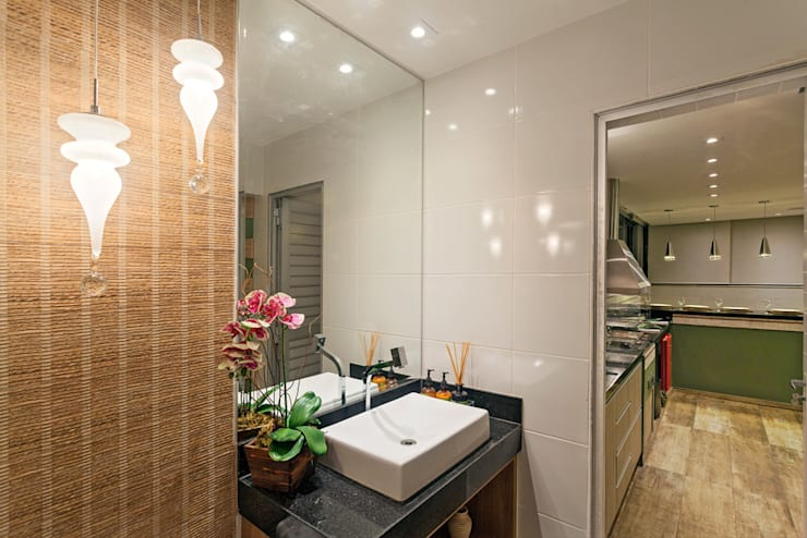 Projeto Cobertura : Banheiros modernos por Laura Santos Design
