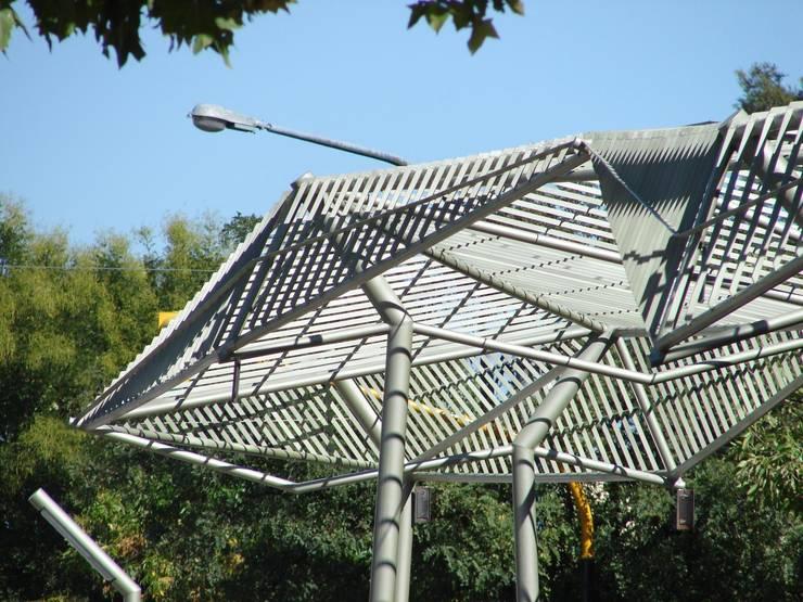Renovación urbana del Corredor San Martín,  ciudad de Santa Rosa, La Pampa. : Jardines de estilo  por reimersrisso,