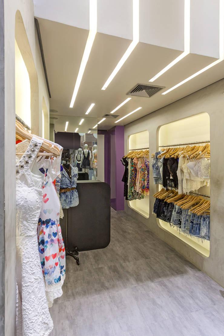 Loja de Roupas – Shopping: Lojas e imóveis comerciais  por Laura Santos Design
