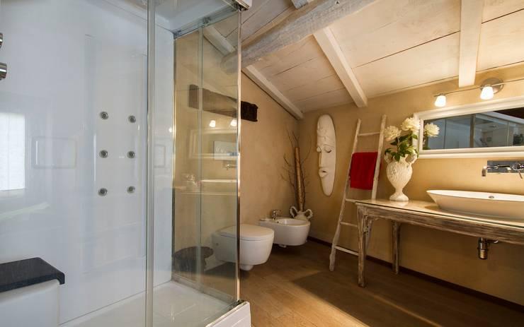 Banheiros  por Fabio Carria