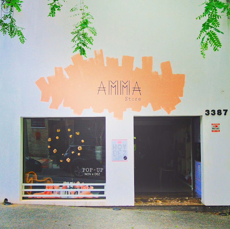 Offices & stores by AMMA PROJETOS,